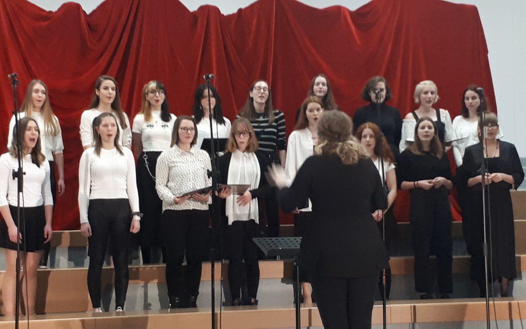 Srečanje srednješolskih pevskih zborov Gorenjske